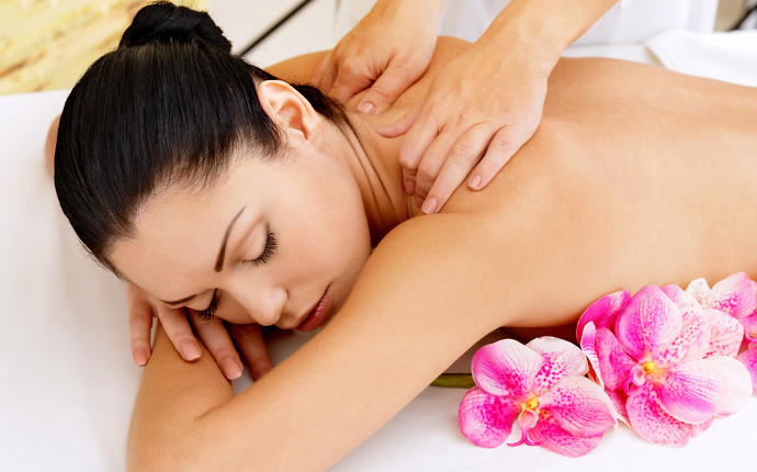 nuttree_wellness_thaimassage_02.jpg